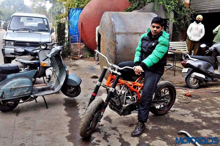 Len doi Yamaha 2 thi thanh KTM Duke cuc ki doc dao - 2