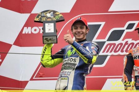 MotoGP 2015 chang 15 Dani Pedrosa da tim lai cam giac chien thang sau mot thoi gian dai vo vong - 7