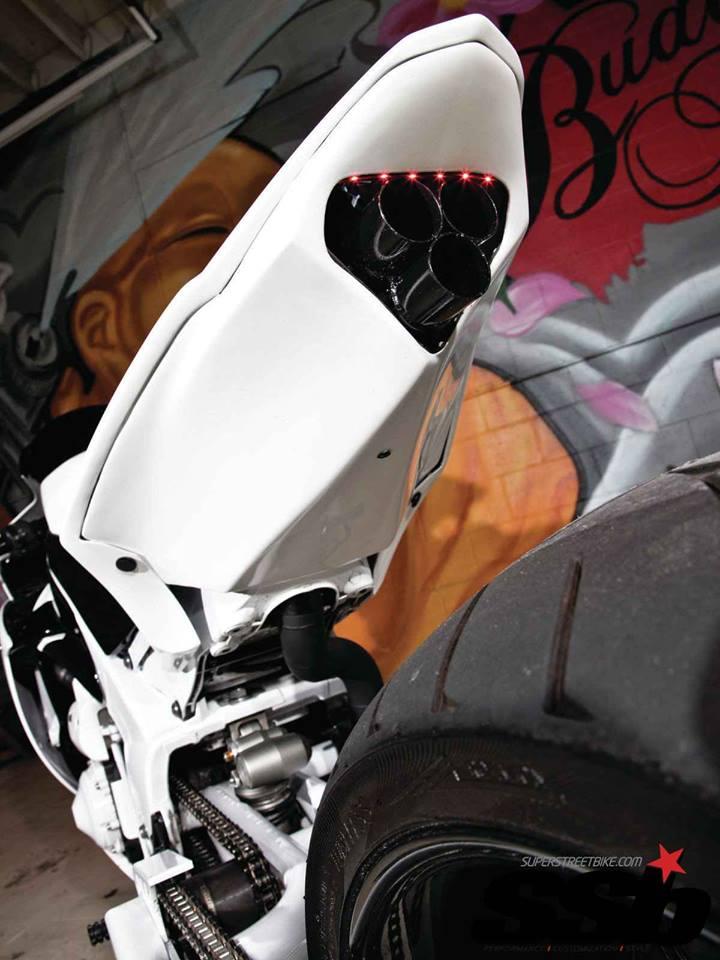 Nhung chiec R1 do doc dao tu biker nuoc ngoai - 4