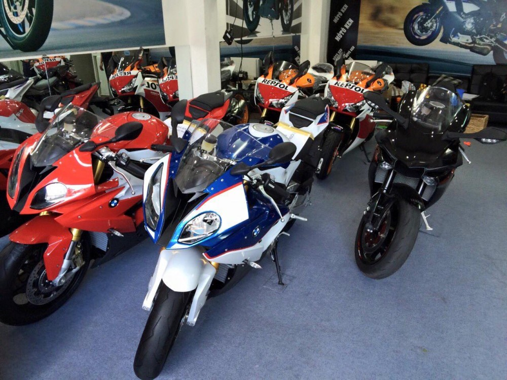 Showroom Moto Ken Ban Honda CBR Repsol Chau Au Full Option 2015