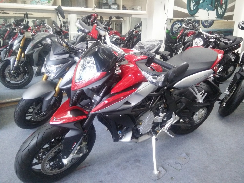 Showroom Moto Ken xe chau au chinh ngach nhieu dong MV - 8