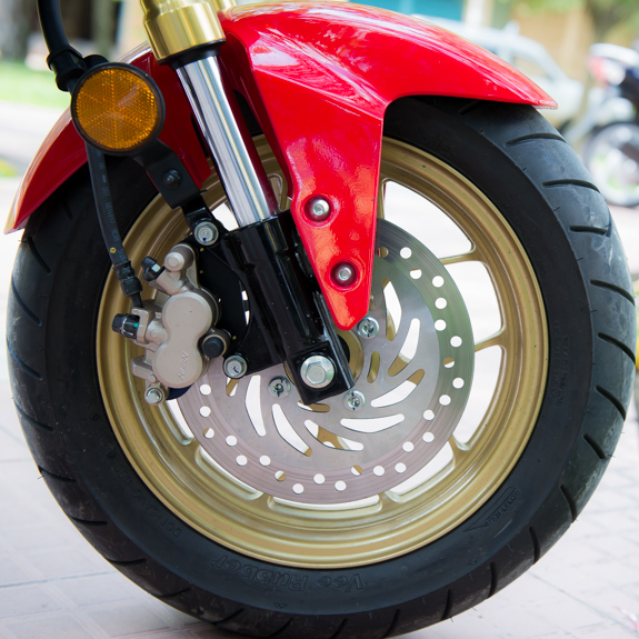 So sanh Honda MSX 125 Kawasaki Z125 - 10