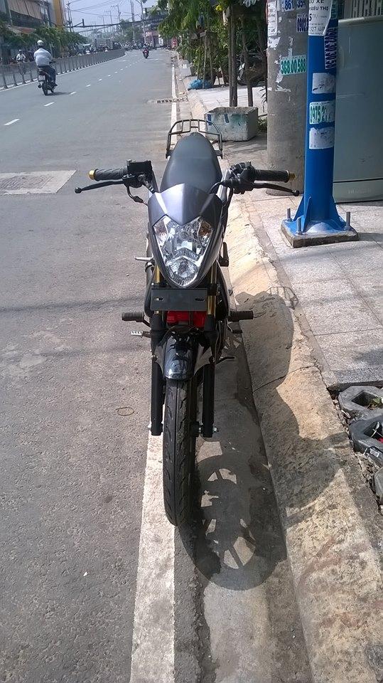 Suzuki satria f150 cung cap voi dan ao doi dau - 5
