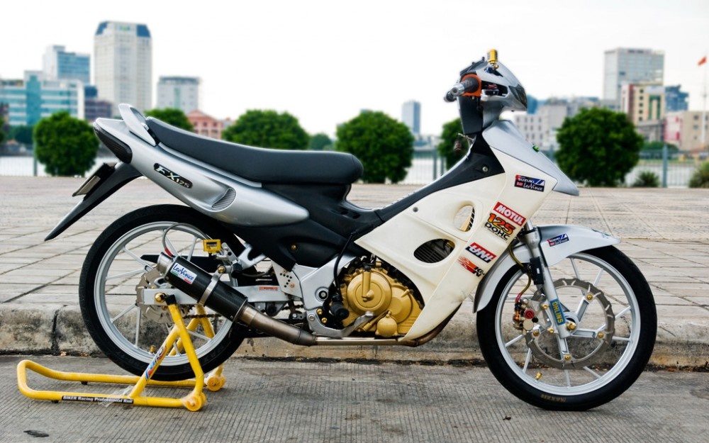 Ban xe Yamaha Nouvo 5 FI do den