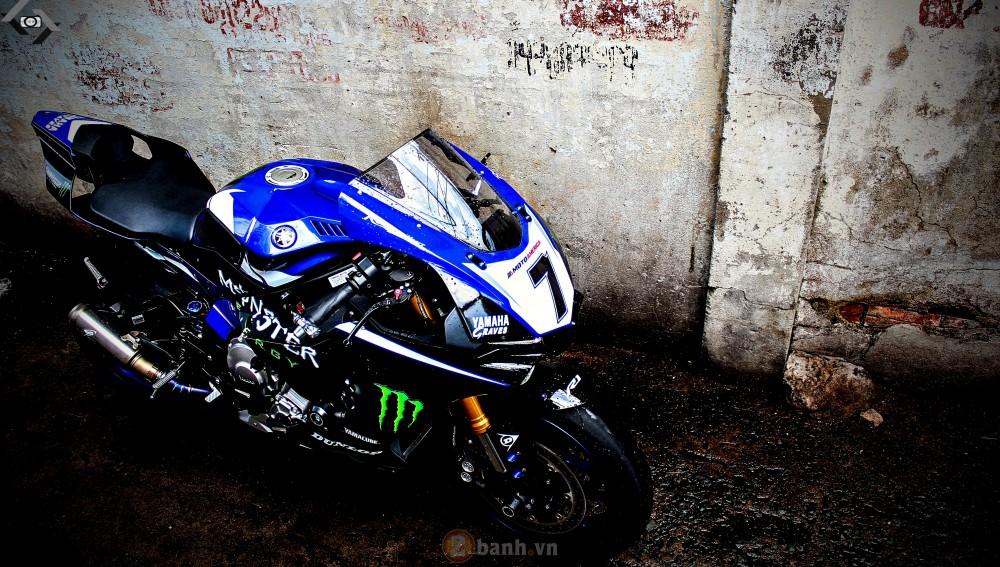 Yamaha R1 2015 phien ban GP Monster Energy - 2