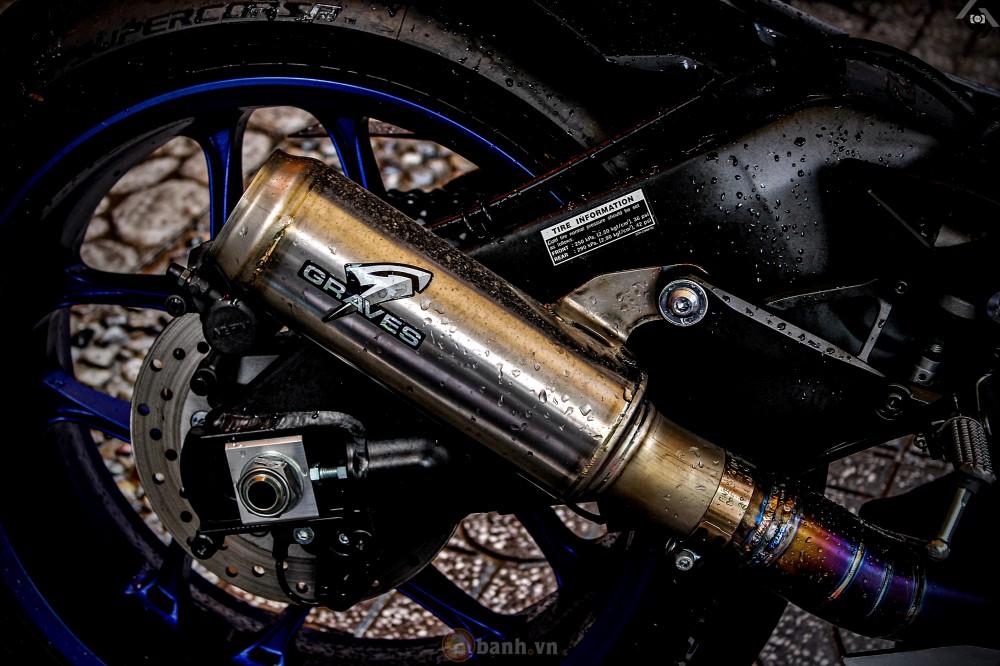 Yamaha R1 2015 phien ban GP Monster Energy - 8