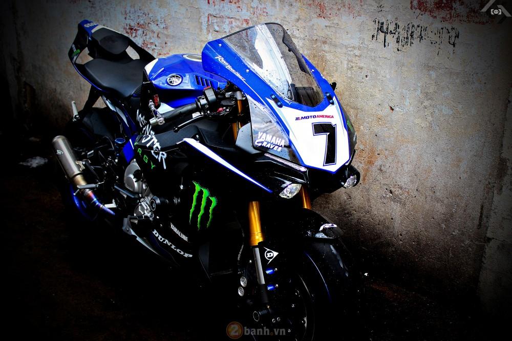 Yamaha R1 2015 phien ban GP Monster Energy - 18