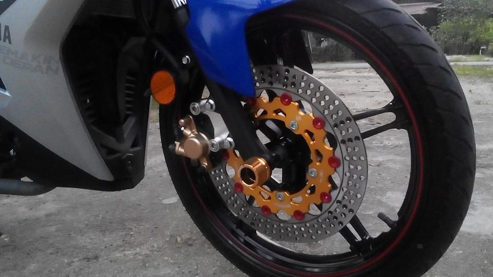 Yamaha Y15ZR len do choi lung linh den tu biker nuoc ban - 3