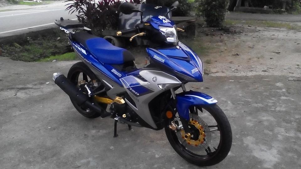 Yamaha Y15ZR len do choi lung linh den tu biker nuoc ban - 5