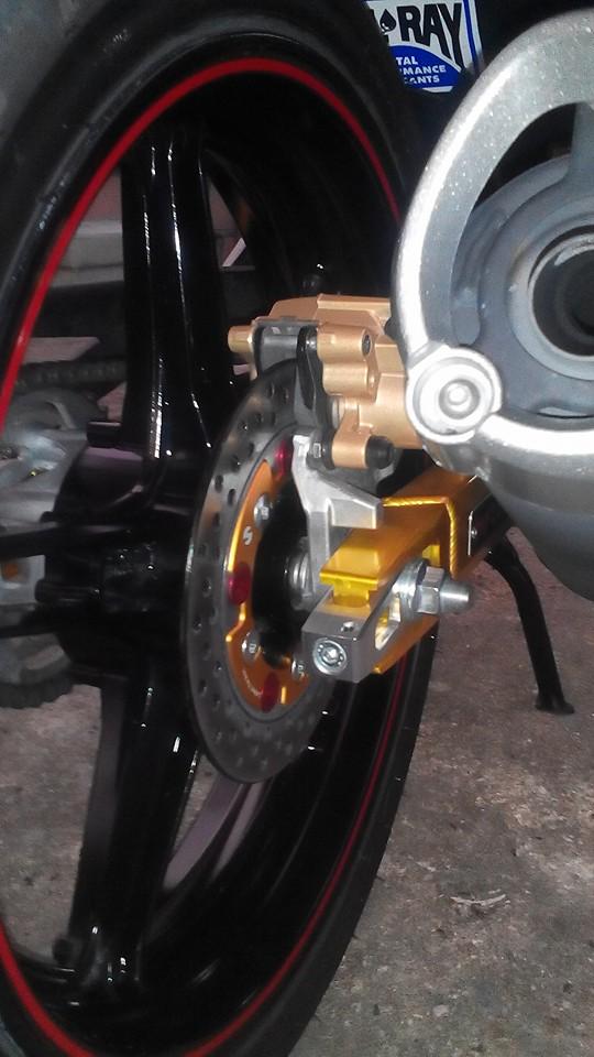 Yamaha Y15ZR len do choi lung linh den tu biker nuoc ban - 7