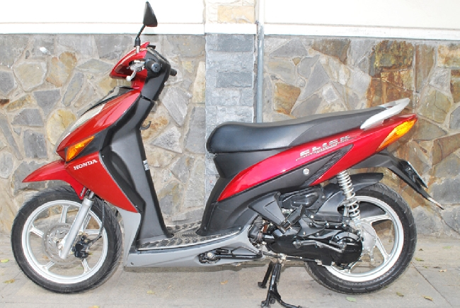 Ban xe Honda Click 2008 mau do - 3