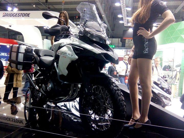 Benelli TRK 502 mau Adventure tam trung day an tuong tai EICMA 2015 - 9