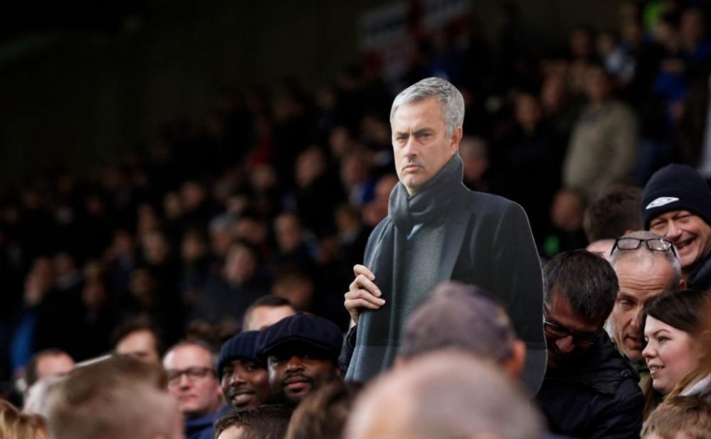 BLD Chelsea da to chuc hop kin de quyet dinh tuong lai cua Mourinho - 2