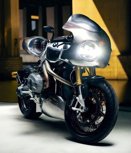 BMW R nine T do Cafe racer choi loa voi phien ban Crom tai EICMA 2015 - 2