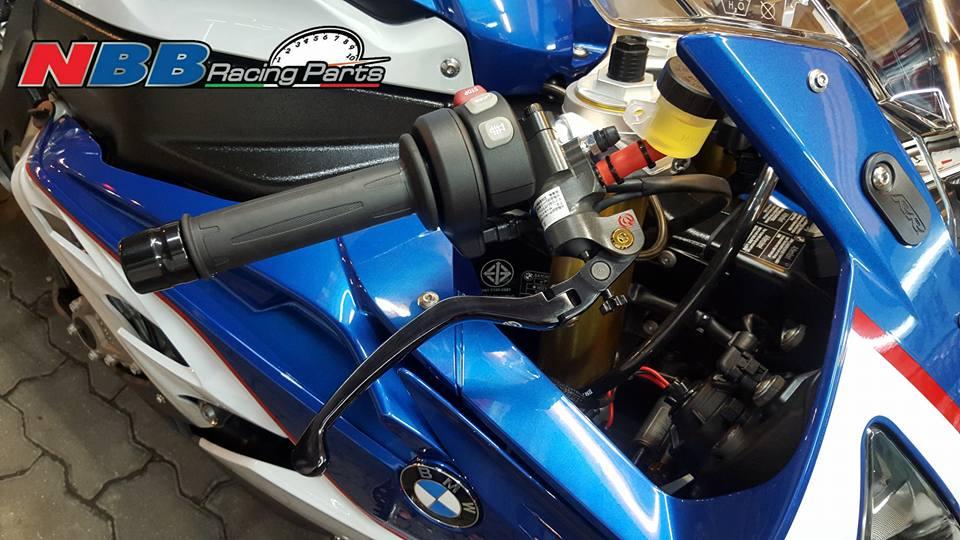 BMW S1000RR 2015 do phong cach voi goi nang cap phu kien hang hieu - 2