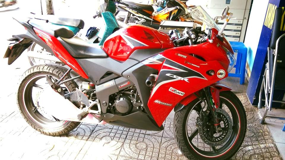 Can ban moto CBR 150i Thai Lan mau do