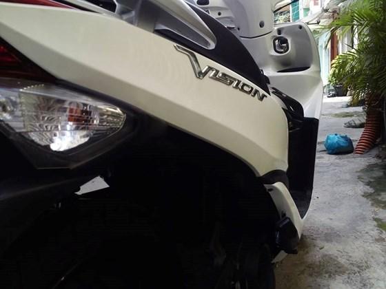 Can ban xe Vision mau trang 2011 - 2