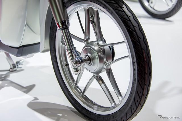 Can canh Honda EV Cub bang xuong bang thit - 7