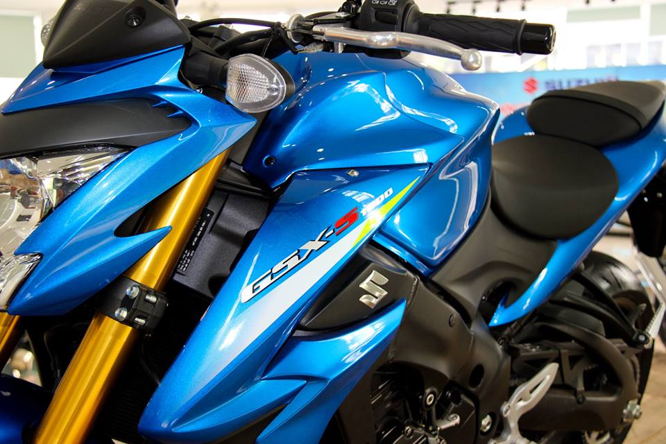 Can canh Suzuki GSXS1000 duoc ban chinh hang tai Viet Nam tu thang 012016 - 5