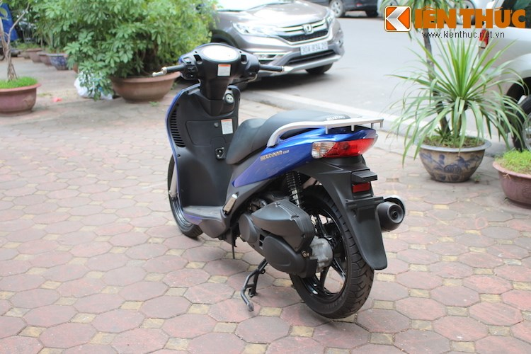 Can canh Suzuki Sixteen doi thu cua Honda SH vua ve den Viet Nam - 11