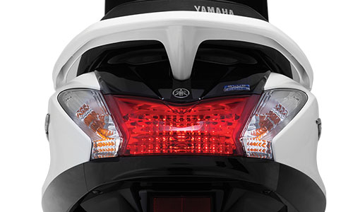 Danh gia Yamaha Acruzo 2015 Gia xe va chi tiet hinh anh - 3