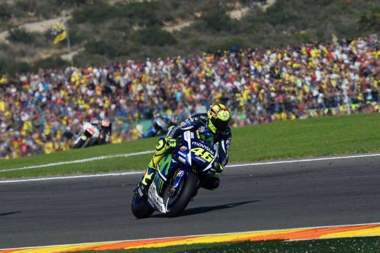 Day nhanh toc do lien tuc khien lop M1 khong du do an toan cho Rossi - 12