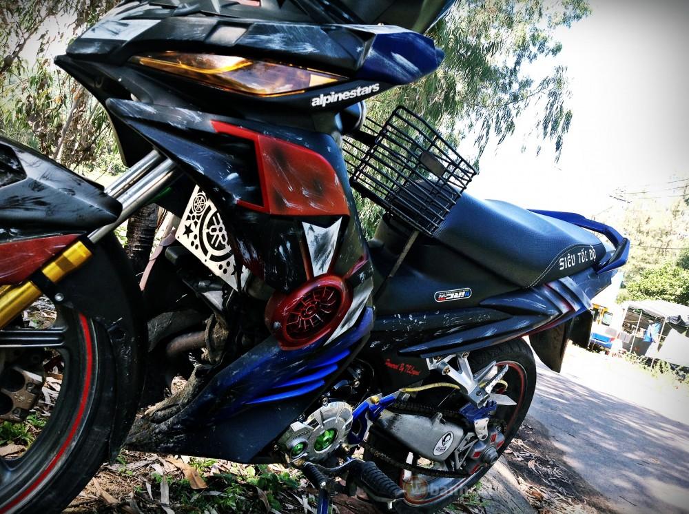 Exciter 135 che nhua ham ho Tranformers cua biker Quang Ngai - 7