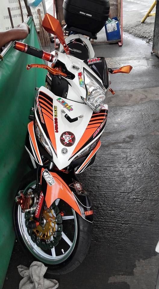 Exciter 135 do cua fan cuong Racing Boy