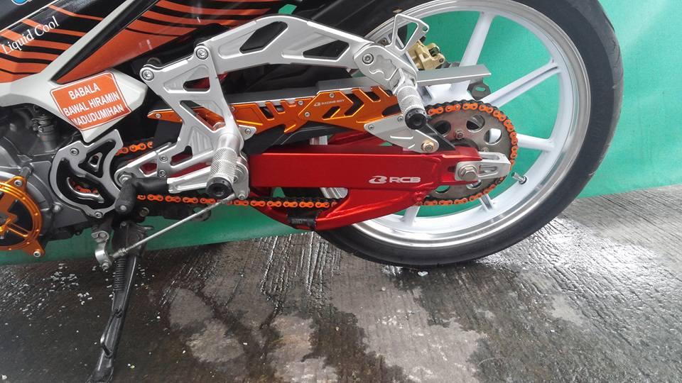 Exciter 135 do cua fan cuong Racing Boy - 2