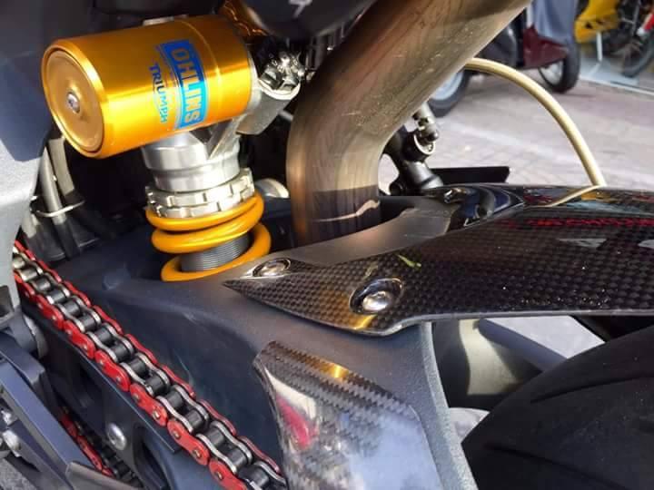 Hang hiem Triumph Daytona 675R trang bi khung tai Viet Nam - 9