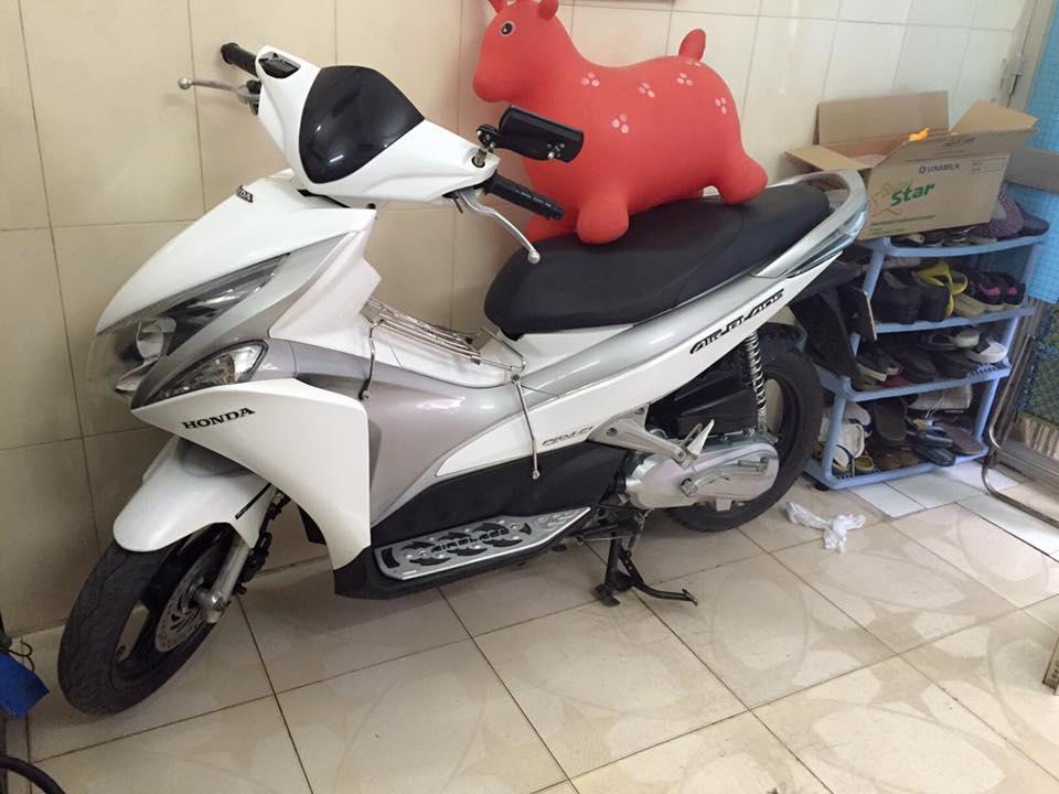 Honda airblade fi dau bo trang xam chinh chu