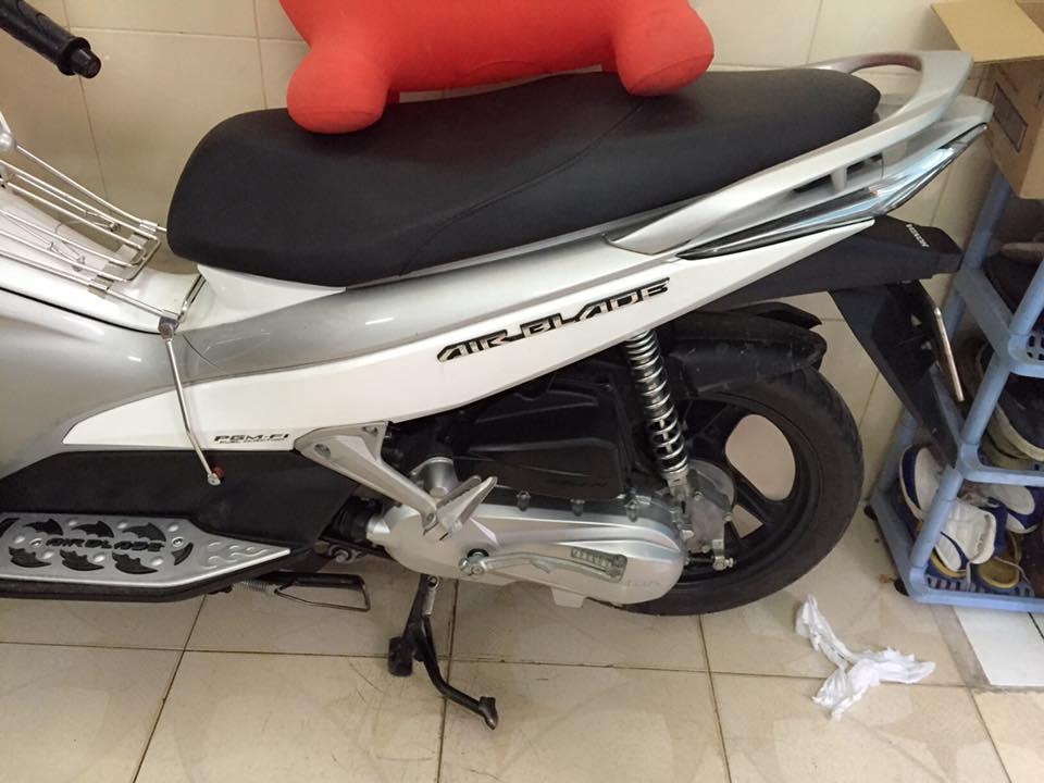 Honda airblade fi dau bo trang xam chinh chu - 3