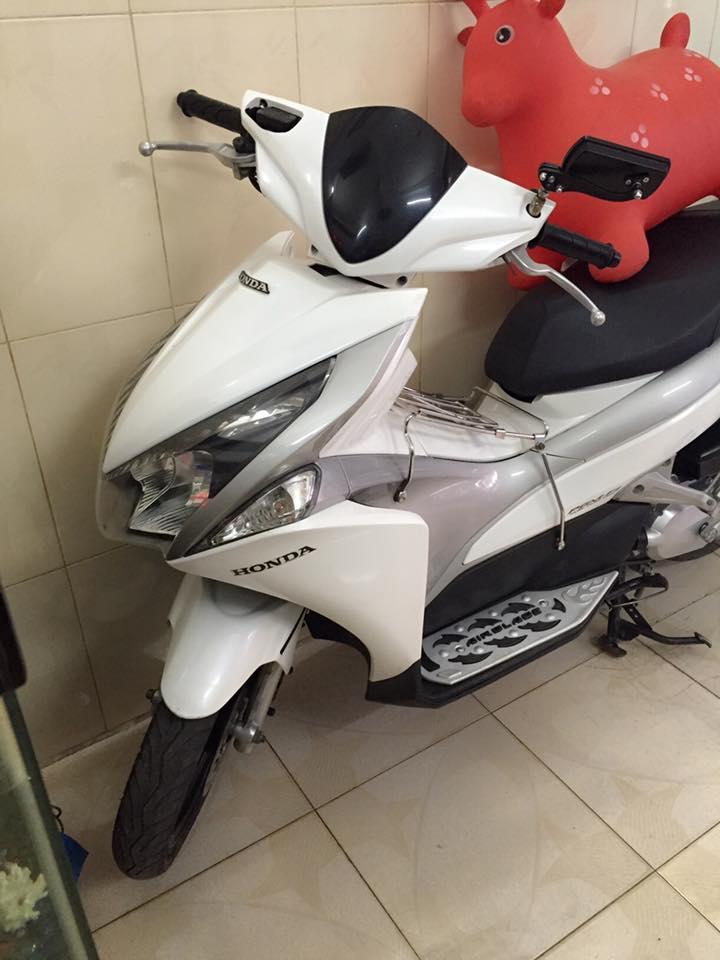 Honda airblade fi dau bo trang xam chinh chu - 4