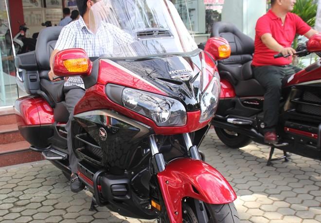 Honda Gold Wing phien ban dac biet thuoc ve biker Nghe An