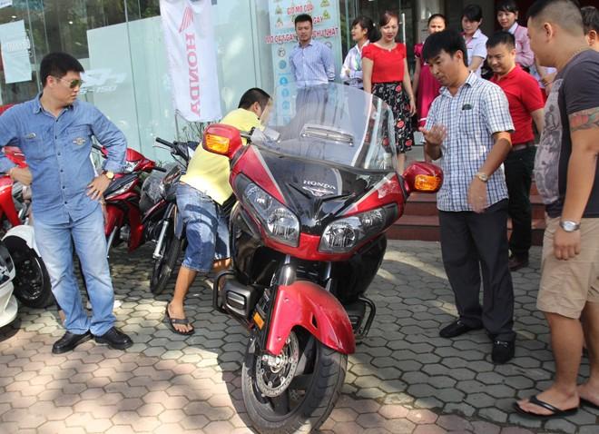 Honda Gold Wing phien ban dac biet thuoc ve biker Nghe An - 2
