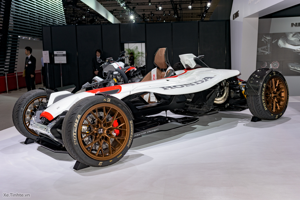 Honda Project 24 xe dua 4 banh voi dong co cua sieu mo to RC213V - 10