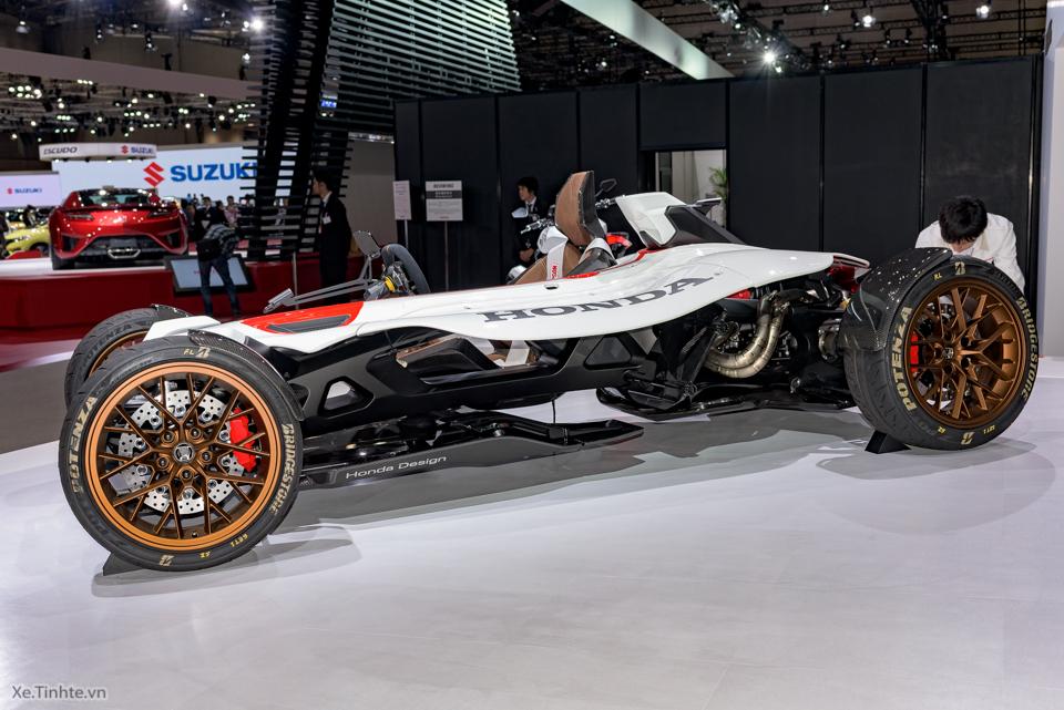 Honda Project 24 xe dua 4 banh voi dong co cua sieu mo to RC213V - 11