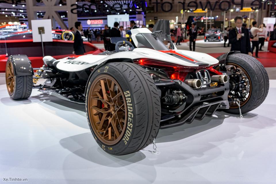 Honda Project 24 xe dua 4 banh voi dong co cua sieu mo to RC213V - 12