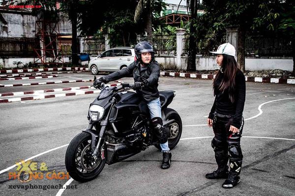 Nhung trai nghiem thu vi ve Ducati Diavel va Monster 796 cua Viet kieu My - 5