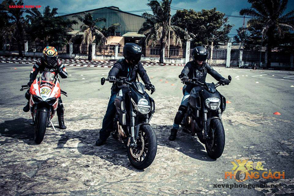 Nhung trai nghiem thu vi ve Ducati Diavel va Monster 796 cua Viet kieu My - 6