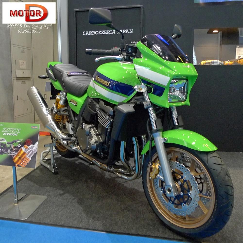 Trum Nakedbike Kawasaki Luc si co bap ZRX1200 DAEG tren duong ve Ha Noi - 8