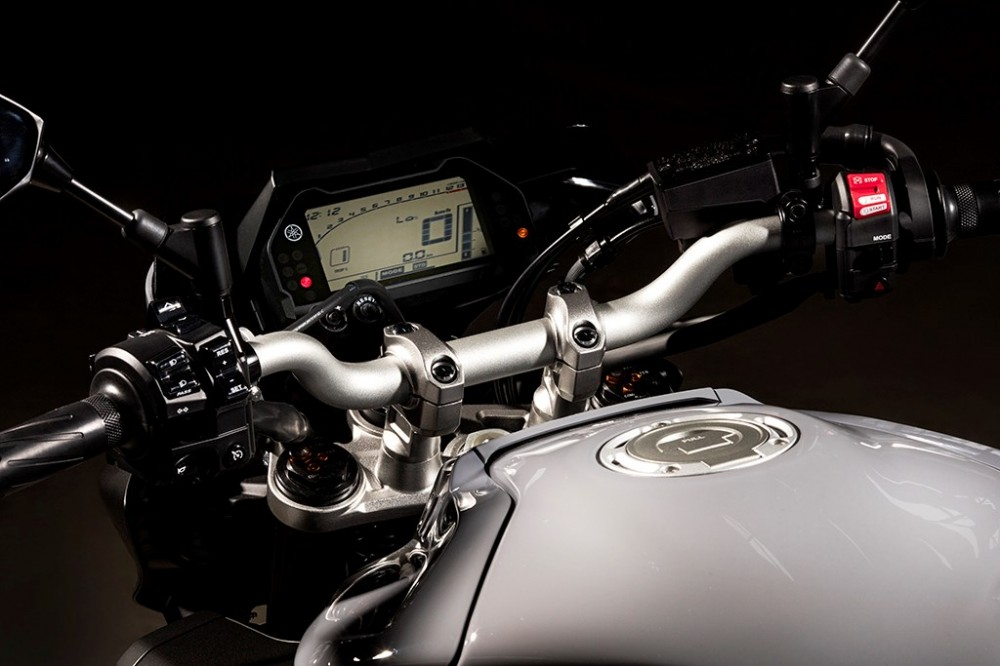 Yamaha MT10 Dong nakedbike R1 vua duoc gioi thieu - 3