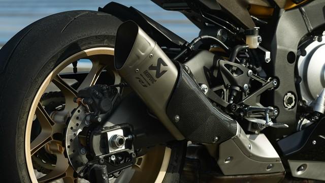 Yamaha R1 phien ban 60 nam se ve Viet Nam voi gia 642 trieu dong - 5