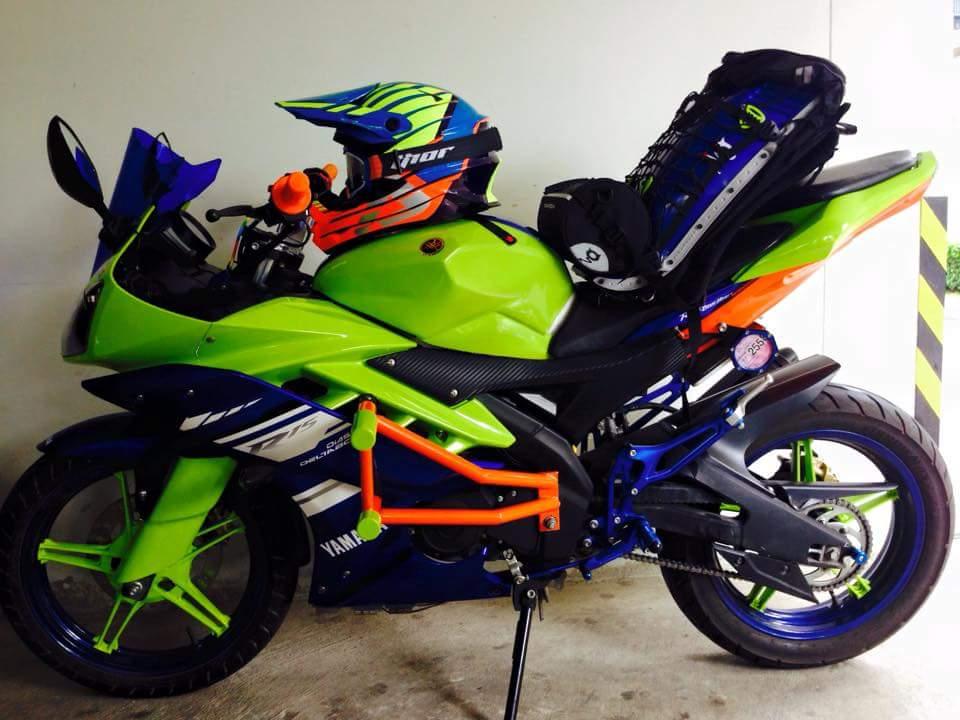 Yamaha R15 do phien ban Noi Bat