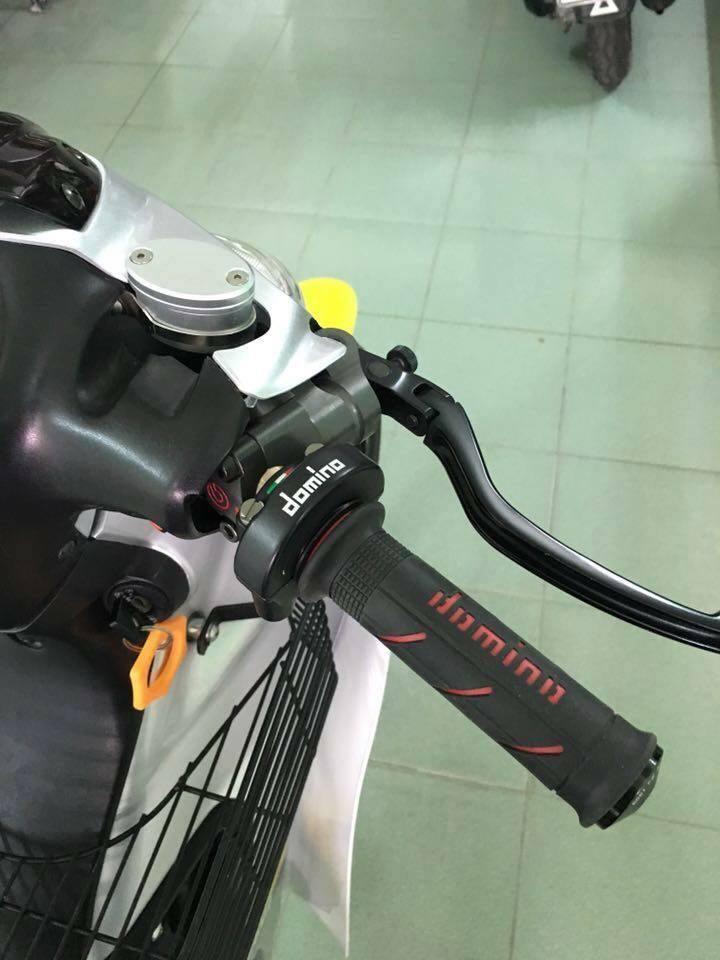 Yamaha Z125 voi goi do hang hieu kha khung - 3