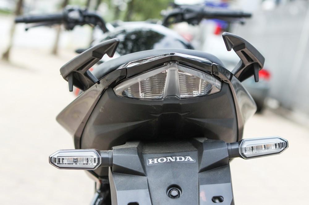 Chi tiet Honda CB150R 2016 tai Ha Noi - 11