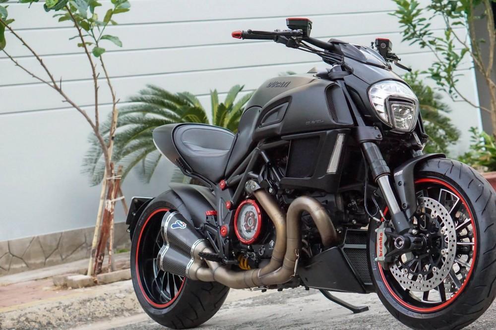 Ducati Diavel 2015 do kieng day manh me va hap dan