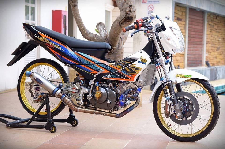 Honda Sonic do khung day phong cach cua biker Thai Lan - 2