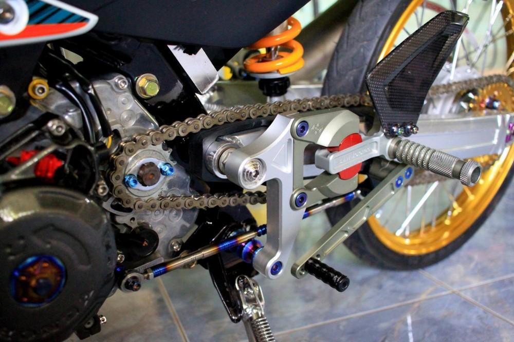 Honda Sonic do khung day phong cach cua biker Thai Lan - 5