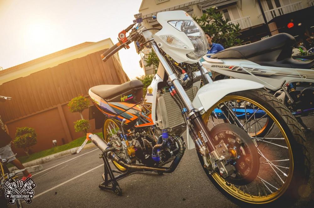Honda Sonic do khung day phong cach cua biker Thai Lan - 9